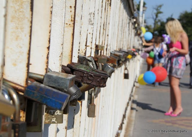 "Odessa's ""lovers' bridge"" covered in signed padlocks"